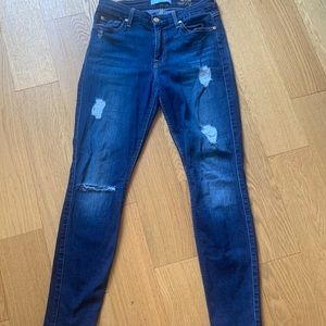 7FORALLMANKIND distressed ankle jeans !! 27